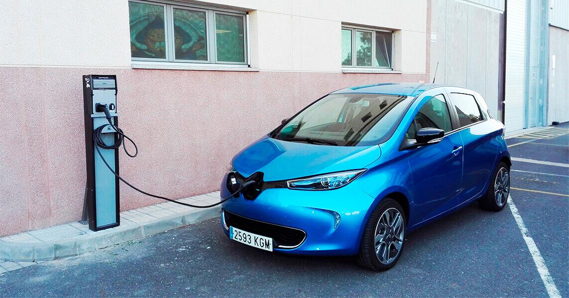 El vehículo eléctrico llega a Aperitivos Snack